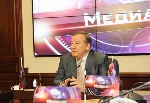 Карлин не принял решение об участии в выборах-2014