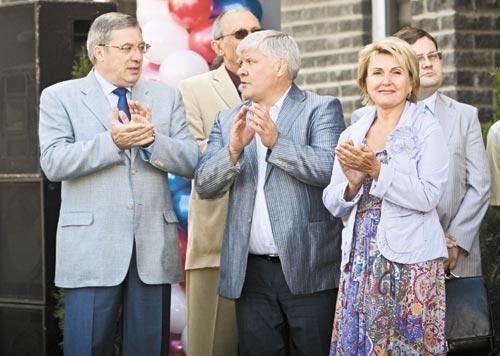 На фото слева направо: Виктор Толоконский, Владимир Анисимов, Надежда Болтенко