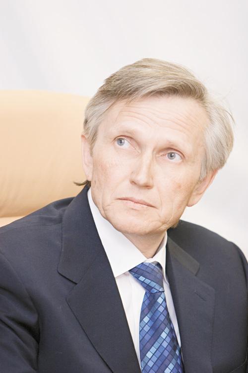 Генеральный директор ГК «МАКС Моторс» Владимир Сафронов продолжает активно открывать дилерские центры