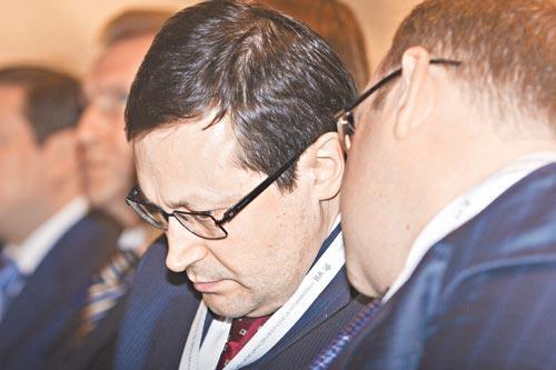 Пока до конца не ясно, прислушается ли новый мэр Красноярска Эдхам Акбулатов к демократическим настроениям,
