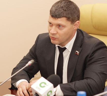 Валентин Сичкарев. Фото пресс-службы Заксобрания новосибирской области