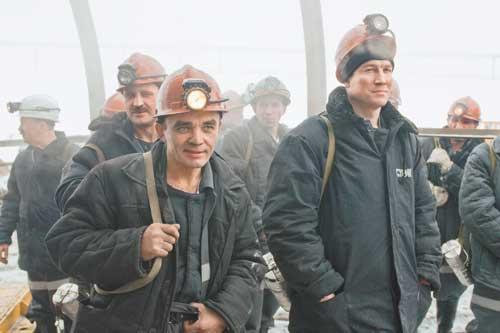 Сами угольщики, и правительственные чиновники, и эксперты рынка признают, что сегодняшнее соотношение внутреннего и мирового рынков сбыта угольной продукции неблагоприятно для российских компаний