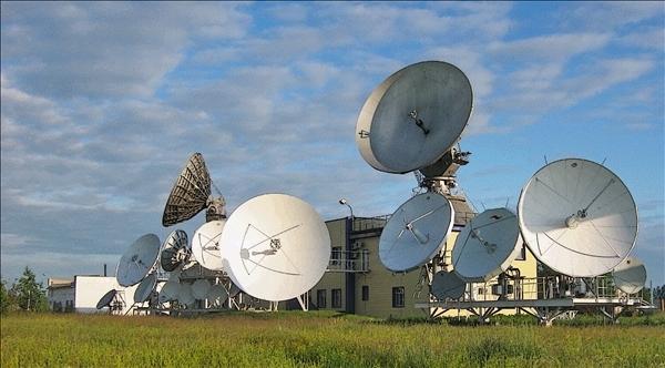 Станция также выполняет функцию мониторинга цифрового телевидения по всей России. Спутниковые антенны