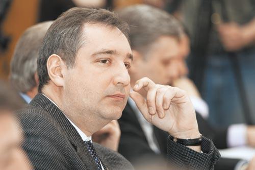 Вице-премьер Дмитрий Рогозин будет неофициальным лидером возрожденной партии «Родина» и Добровольческого движения