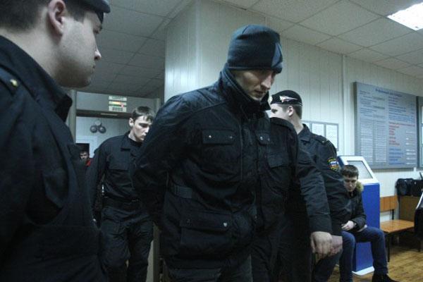 На фотографии — начальник отдела УФСКН по НСО Александр Якушев