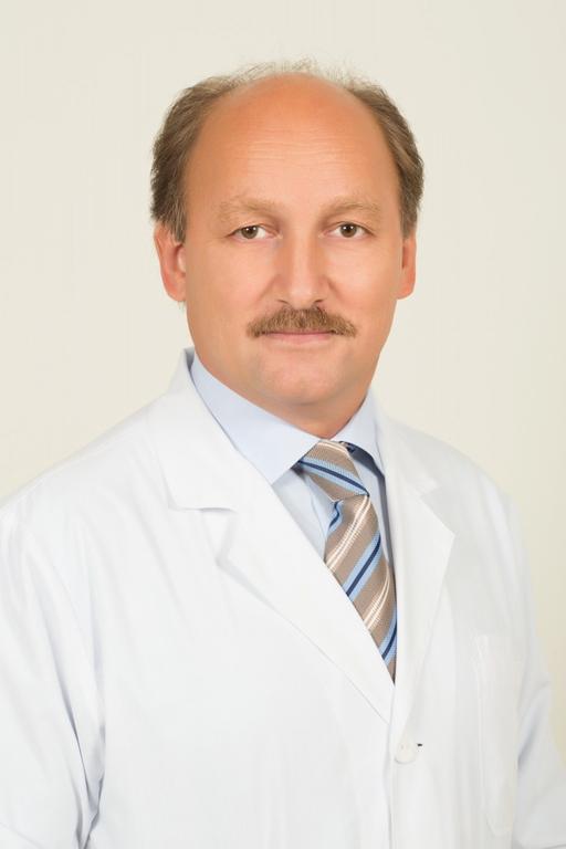 Главный врач ГНОКБ Анатолий Юданов