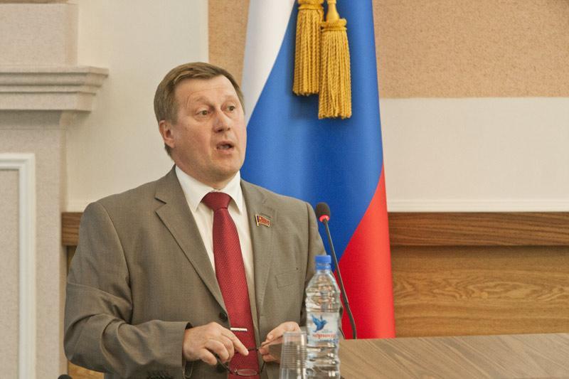 Анатолий Локоть: «Избирательная кампания стартовала при нарушении основного принципа равенства прав всех кандидатов».