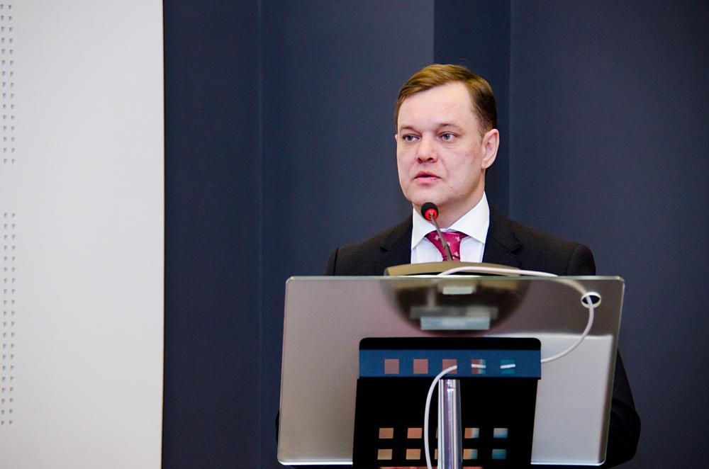Министр строительства и ЖКХ Новосибирской области Денис Вершинин на пленарном заседании Международной строительной и интерьерной выставки SibBuild 2014