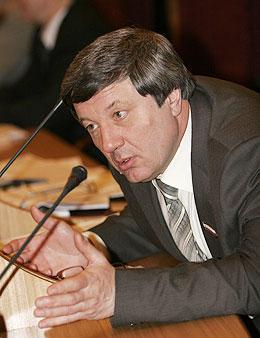 Председатель бюджетного комитета Новосибирской области Виктор Осин называет «плановую» кредиторскую задолженность бюджета лукавством. Фото Михаила Перикова