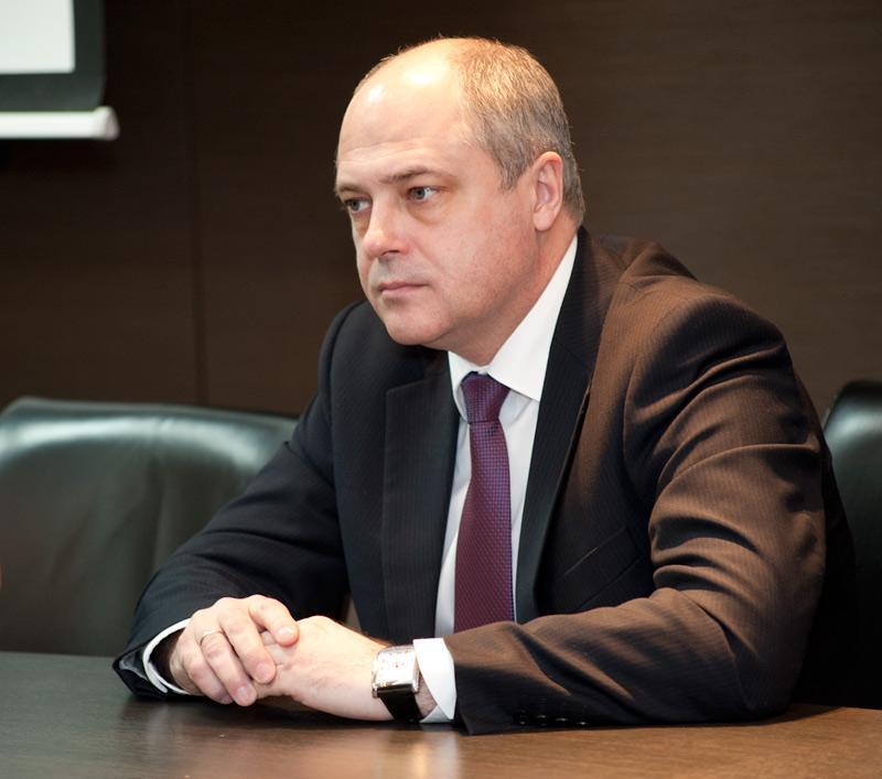 Миниатюра для: Ксензов не снимался в пользу Знаткова