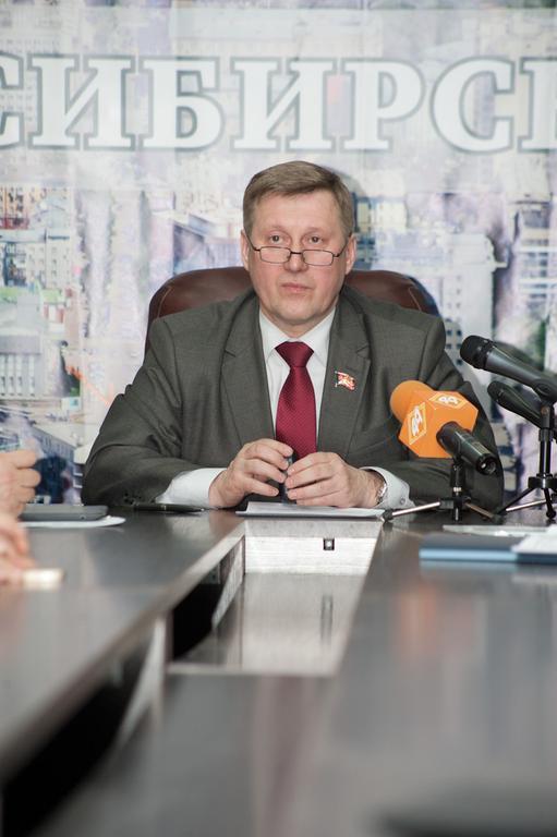 Миниатюра для: Локоть не позволит партии власти «ошельмовать» результаты выборов
