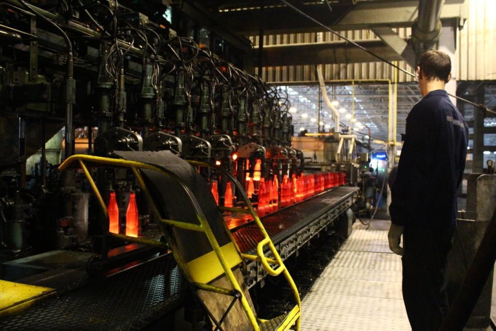Миниатюра для: «Новосибирский завод «Экран» открыл первый пункт приёма боя стеклотары