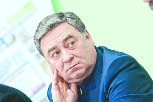 Евгений Покровский сегодня снимет с себя полномочия руководителя.