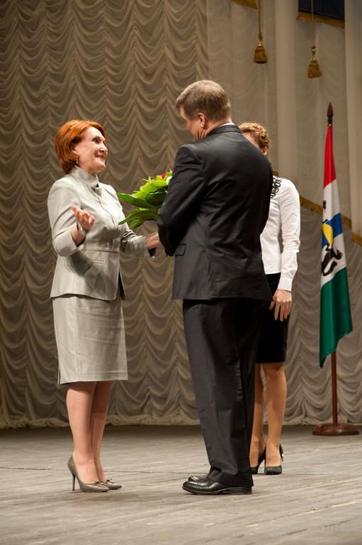 На фото: Надежда Болтенко и Анатолий Локоть на инаугурации 23 апреля