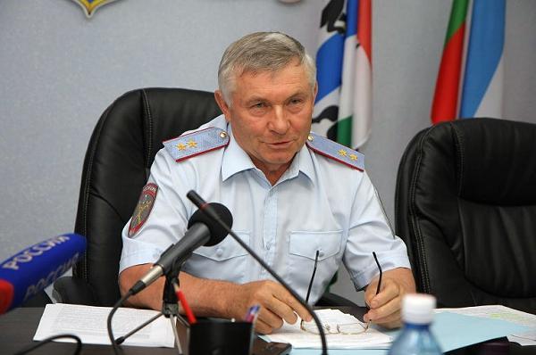 На фотографии: бывший начальник теперь уже расформированного ГУ МВД по Сибирскому ФО