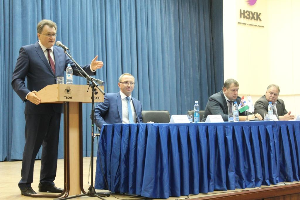 """На фото (слева направо): Президент ОАО """"ТВЭЛ"""" Юрий Оленин"""