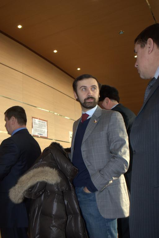 Илья Пономарев ожидает ответа госструктур.
