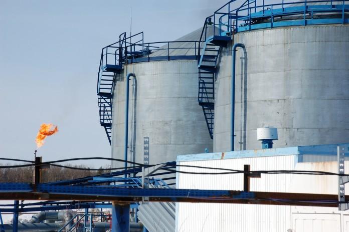 Миниатюра для: «Газпром нефть» отрицает недостаточность поставок бензина в НСО