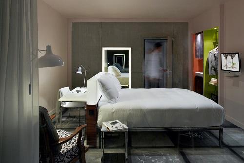 Интерьер отеля Mama Shelter в Лионе