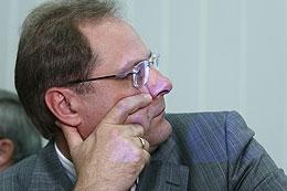 Вице-губернатор Василий Юрченко недоволен задолженностью по зарплате в САХО