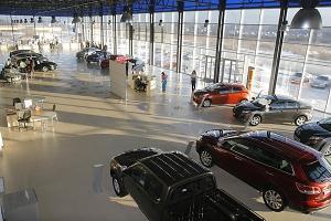 Открывший салон Mazda является временным