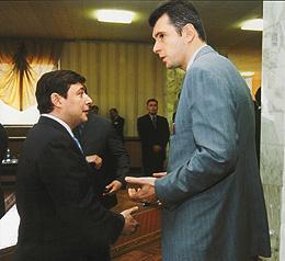 Михаил Прохоров (справа) может сменить Александра Хлопонина