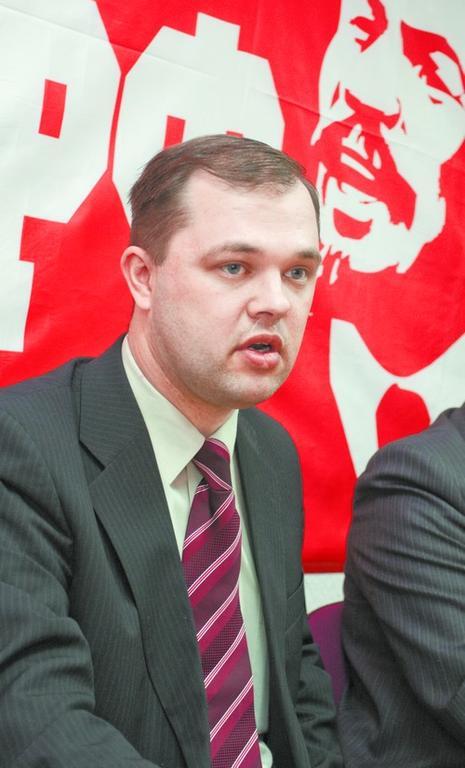 Новый мэр Бердска Илья Потапов (на фото) считает, что ему удастся сохранить партбилет КПРФ.
