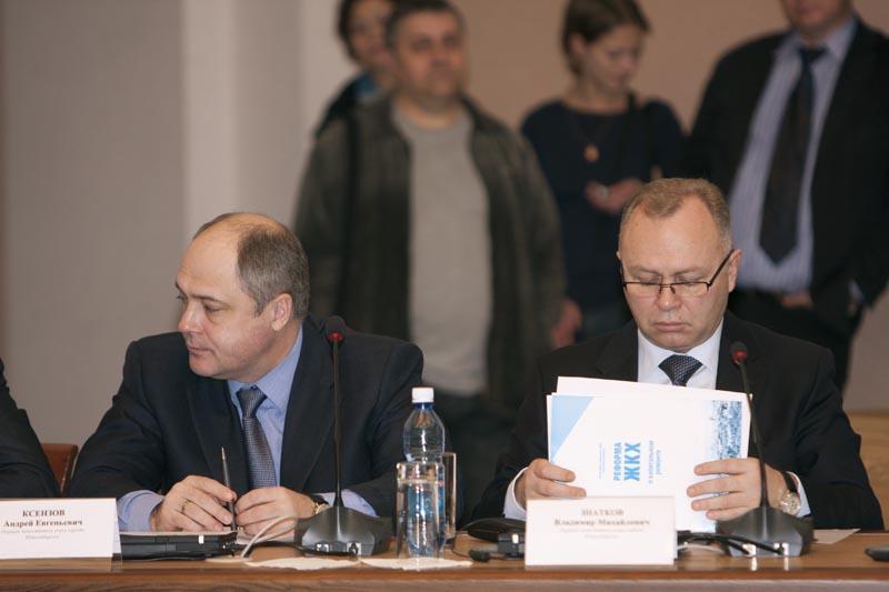 Андрей Ксензов (слева) и Владимир Знатков (справа) в период совместной работы в мэрии Новосибирска