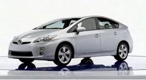 Миниатюра для: Детройт: Toyota представила гибридный Prius нового поколения, который будет продаваться в России