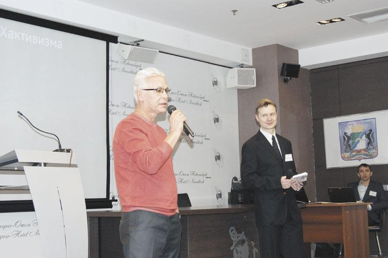 Член Новосибирской торгово-промышленной палаты Игорь Симонов (слева) и председатель Новосибирского Клуба IT-директоров Сергей Голубицкий обсудили насущные вопросы в сфере ИТ.