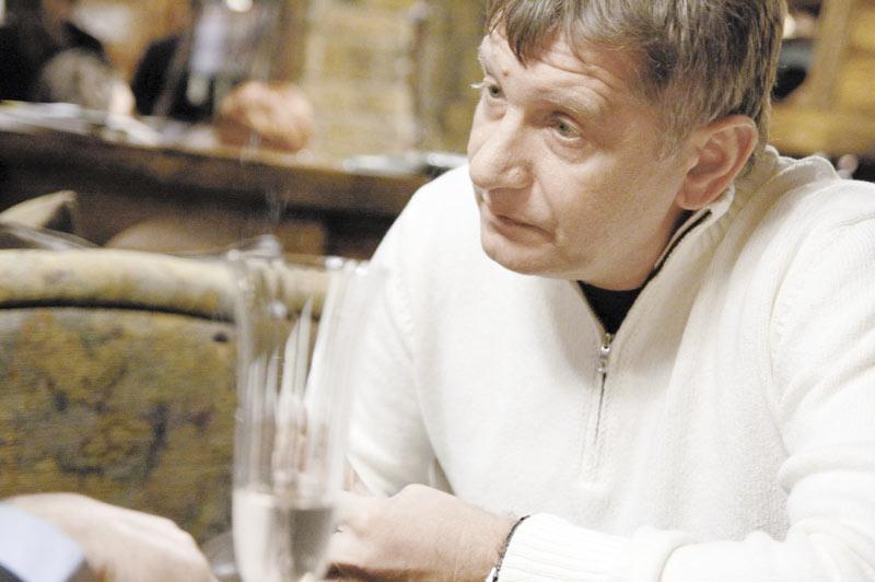 Александр Кангун решил не только продавать автомобили, но и выпускать их, причем сразу на всю Россию