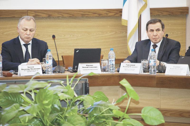 Отставка Василия Юрченко ожидалась, но его уход оставил бывшим соратникам и противникам много трудных вопросов