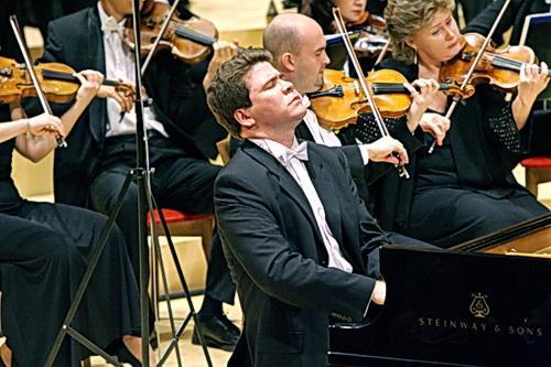 Художественный руководитель фестиваля «Звезды на Байкале» Денис Мацуев обещает блестящий состав исполнителей