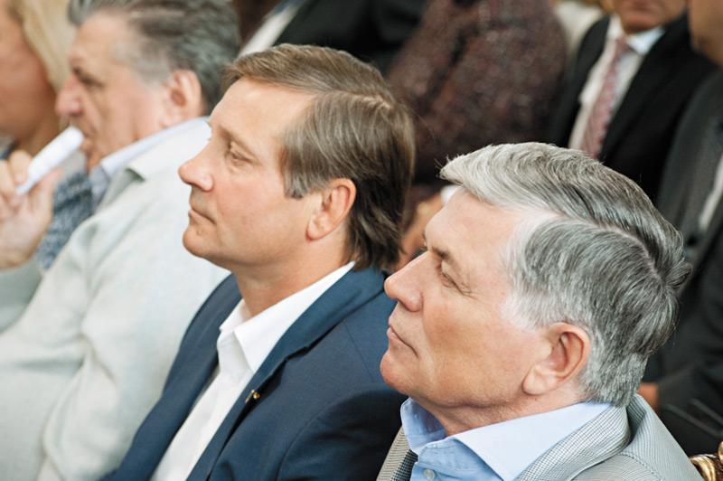 Руководители Межрегиональной ассоциации руководителей предприятий Юрий Бернадский (слева) и Анатолий Масалов