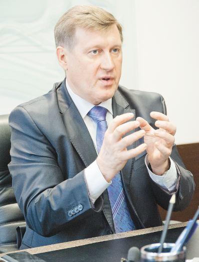 Анатолий Локоть пообещал поставить вопрос о компенсации выпадающих доходов, но не на 100%
