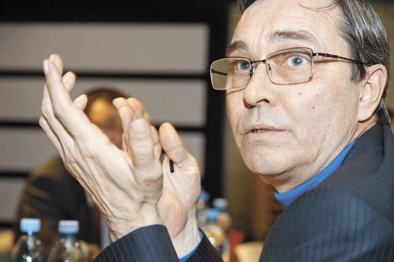 Депутат Вадим Агеенко (на фото) считает, что провайдеры должны идти на уступки управляющим компаниям, а не наоборот