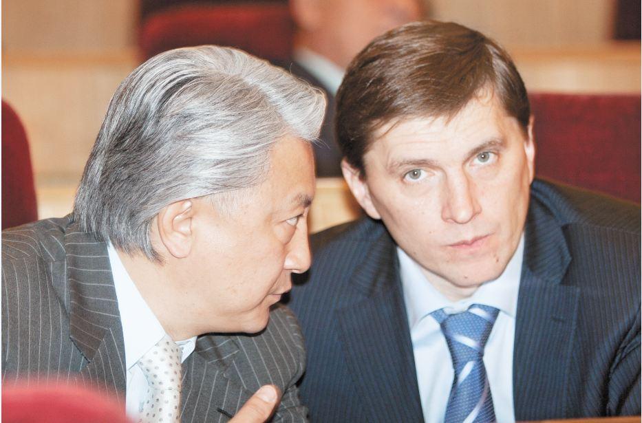 В коалиции, которую формировал первый вице-мэр Новосибирска Виктор Игнатов (на фото справа) для борьбы за власть в Новосибирской области, могут произойти изменения после того, как конфликт мэрии с губернатором приобретает открытые формы. На фото слева - депутат ЗС НСО Вениамин Пак