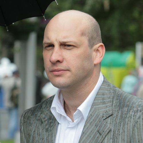 Генеральный директор «Автомир-Новосибирск» Дмитрий Шкуров покидает свой пост и возвращается в Москву