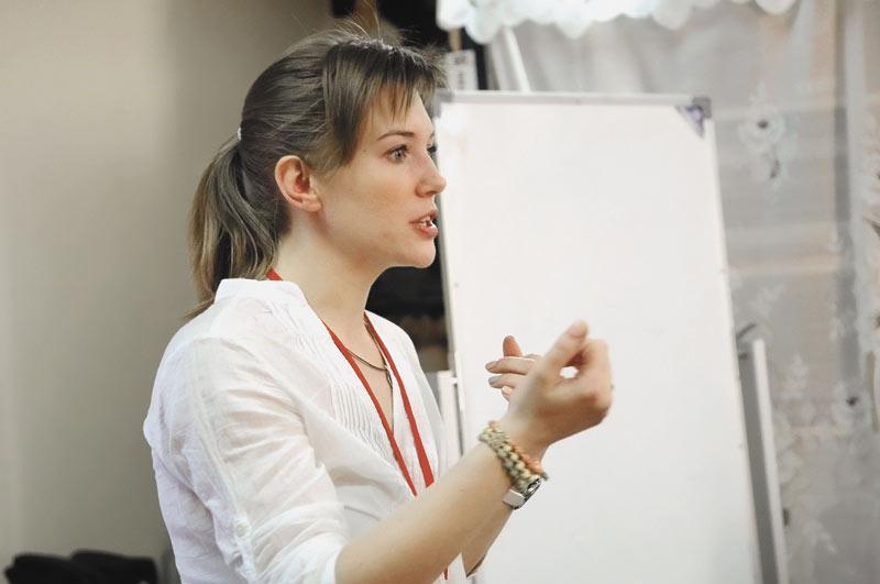 По мнению Анны Бабич (на фото), стимулировать сарафанное радио сложно и не всегда эффективно, ведь желание рекомендовать и делиться позитивным опытом возникает у человека как импульс, который сложно вызвать искусственным образом