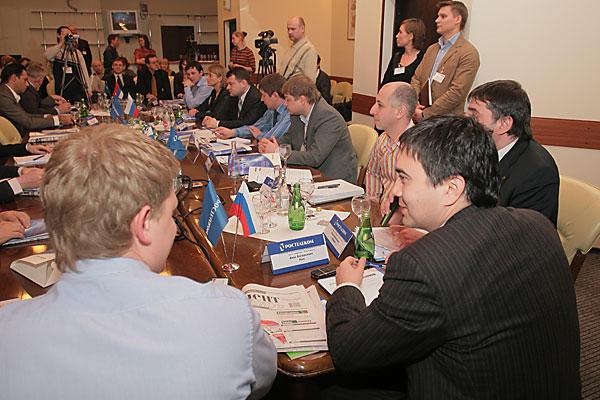 10 марта в Новосибирске состоялся круглый стол, организованный бизнес-порталом «Континент Сибирь» и ОАО «Ростелеком». Темой круглого стола стали действия операторов связи в условиях кризиса.