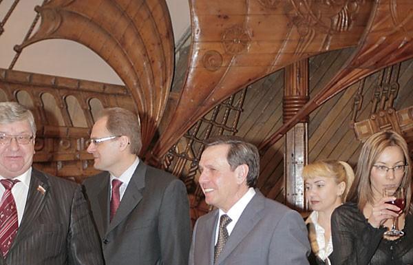 Сегодня Владимир Городецкий в третий раз официально вступил в должность мэра города Новосибирска