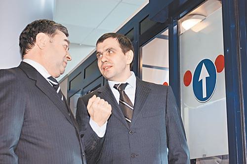 Владислав Филев (на фото справа) может столкнуться с сильными соперниками, пытаясь использовать предстоящий аукцион по продаже пакета акций S7 для укрепления семейного контроля над группой компаний