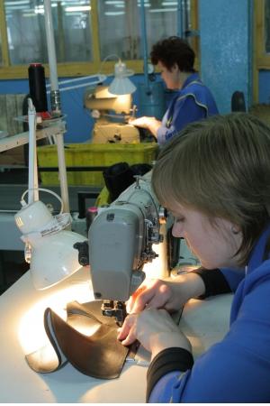 Российские производители обуви и кожи просят премьер-министра увеличить импортные пошлины на обувь до 25%. По их мнению