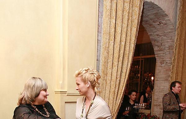 Вечерний VIP-прием в новосибирском ресторане La Maison по случаю состоявшего в дилерском центре Nissan гранд-дефиле модных российских модельеров
