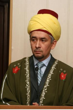 На фото – новый муфтий Кемеровской области Тагир Хазрат Давлеткулов. Фото ВАДИМА ГОЛУБИНА