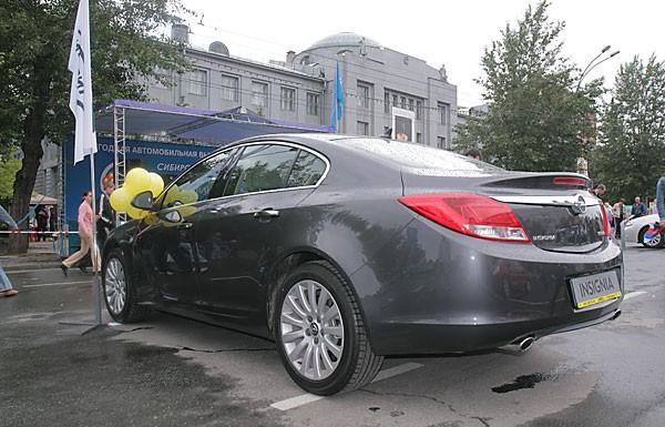 В Новосибирске прошла третья ежегодная автомобильная выставка, организованная Сибирской ассоциацией автомобильных дилеров. Выставка по традиции прошла в День города