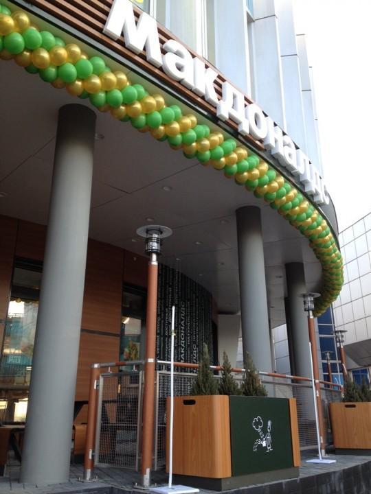 Ресторан «Макдоналдс» на Речном вокзале в Новосибирске
