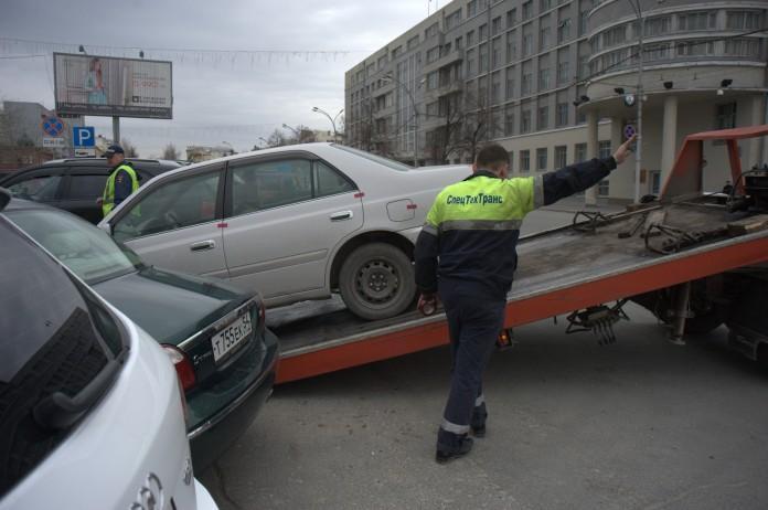 Миниатюра для: В заксобрание НСО снова внесена поправка к закону об эвакуации транспорта