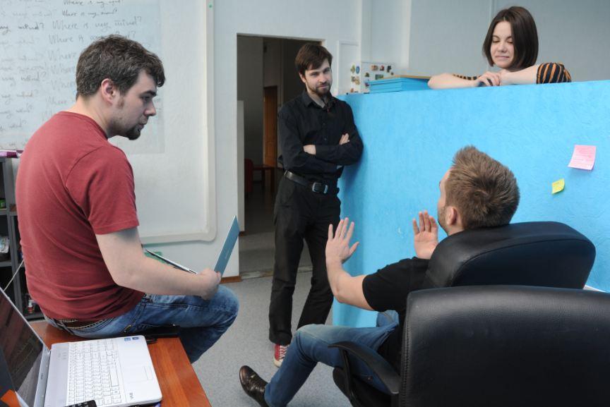 Новосибирское агентство Wow решило вывести «продакшн» в отдельное направление. На фото слева - основатель и учредитель Wow Николай Глухих