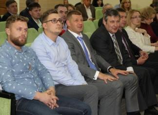 Председатель комитета поддержки и развития предпринимательства мэрии Новосибирска Сергей Дьячков (на фото справа) заверил